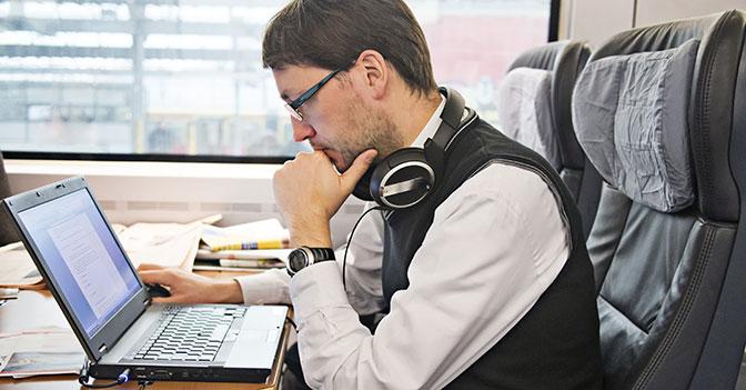 treno-manager-computer-corbis-672